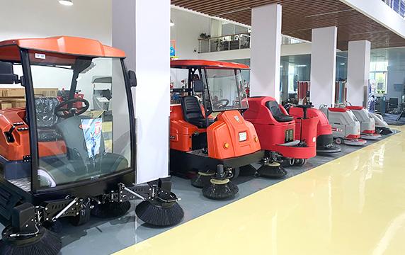 机场全自动洗地机/车经销商(衢州地区购买多功能洗地机价格是多少)